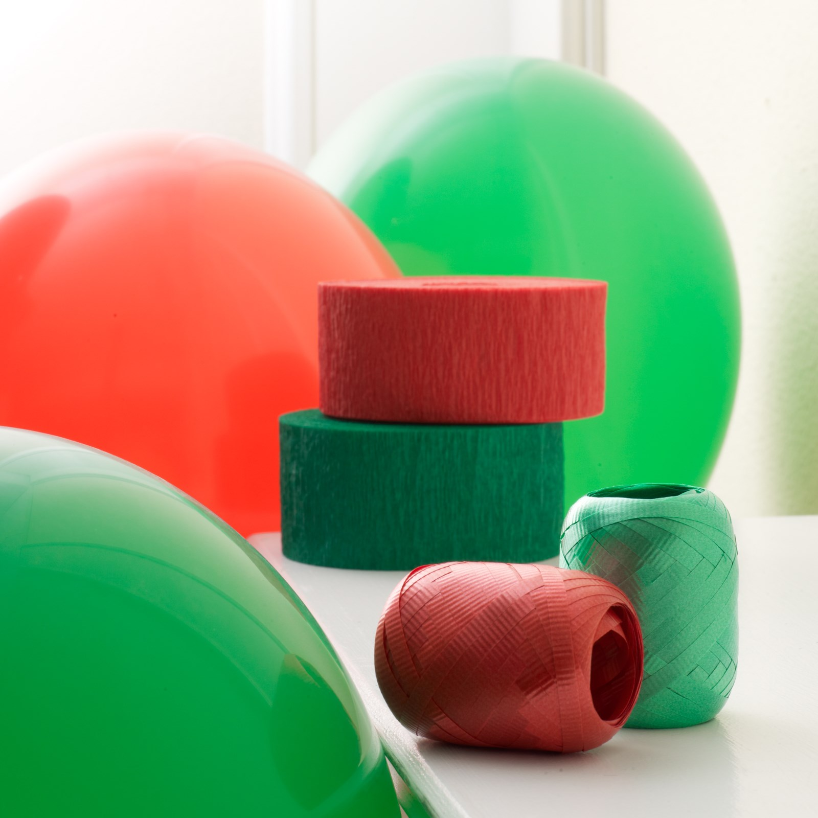 Red and green decorating kit partybell