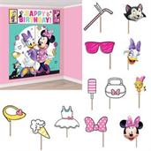 Minnie Mouse Helpers Scene Setter Wall Decoration
